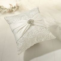 Cream Vintage Lace Wedding Ring Cushion